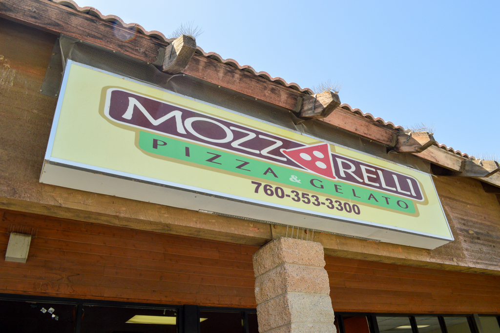 mozzarellis-pizza-gelato-good-eats-el-centro-california-mike-puckett-sw-3-of-29